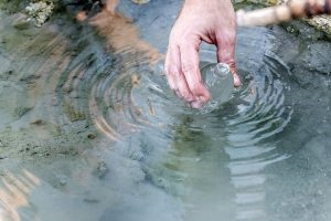 采集总磷检测水质样品